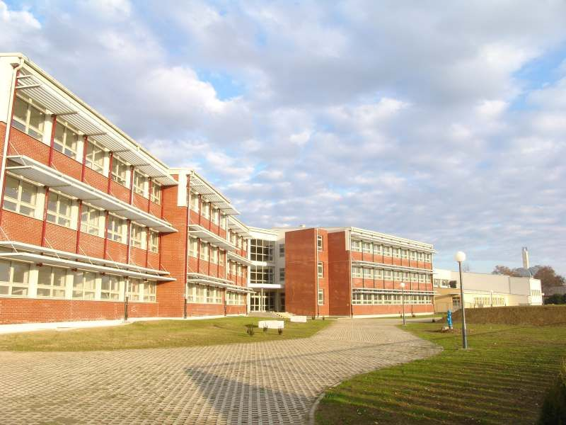 Četiri srednje škole i sportska dvorana, Bjelovar